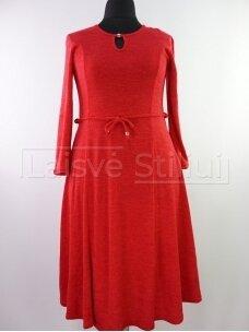 Raudona liemenuota platėjanti suknelė